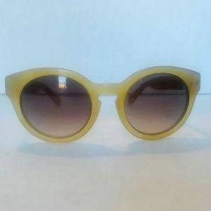Madewell Sunglasses Translucent Yellow